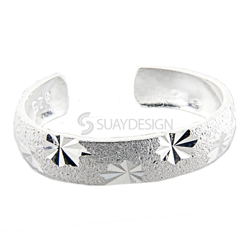 Women's Diamond Cut Finish Silver Toe Ring with Star Features