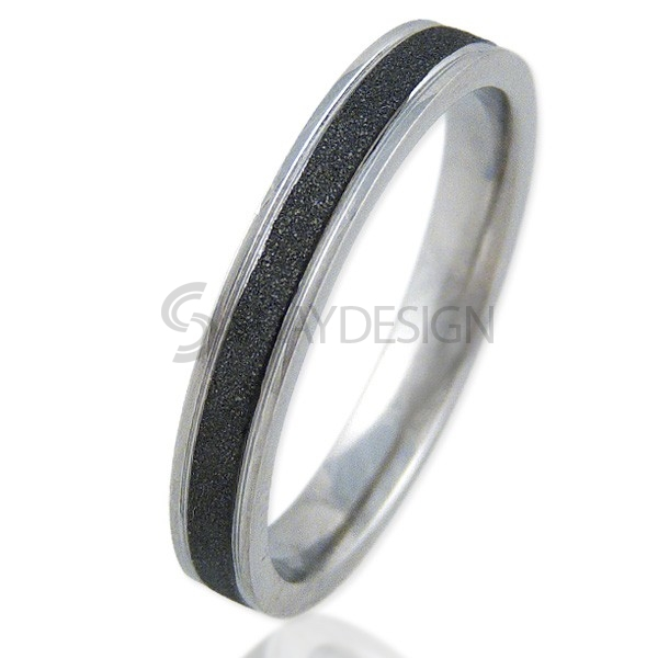Women's Radiate 4 Black Ring