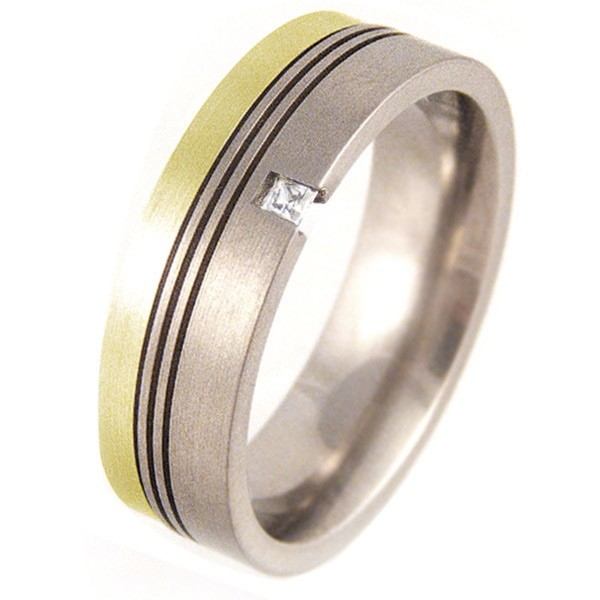Flat Titanium & Gold Ring set with a Princess Cut Diamond