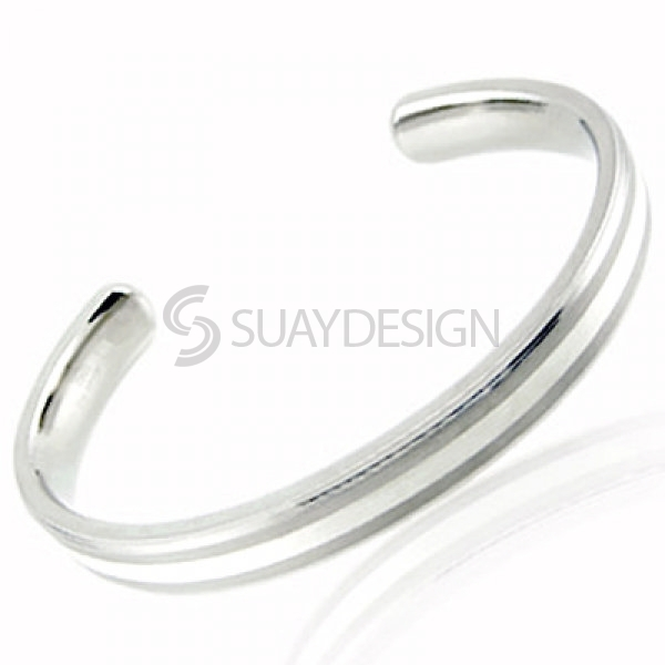 Women's Ride Titanium Bangle
